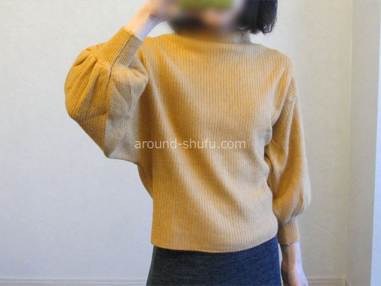 バルーン袖ニット 着用画像