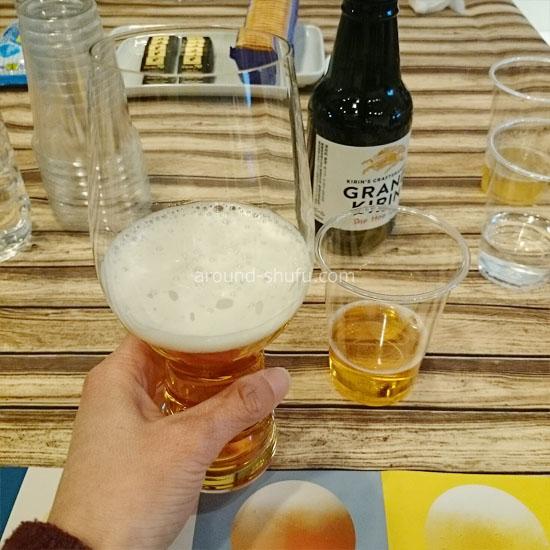 クラフトビールグラスとプラカップで飲みくらべ