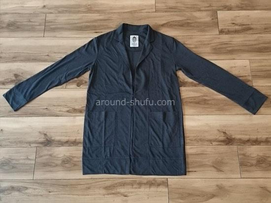 黒の薄手ロングジャケット
